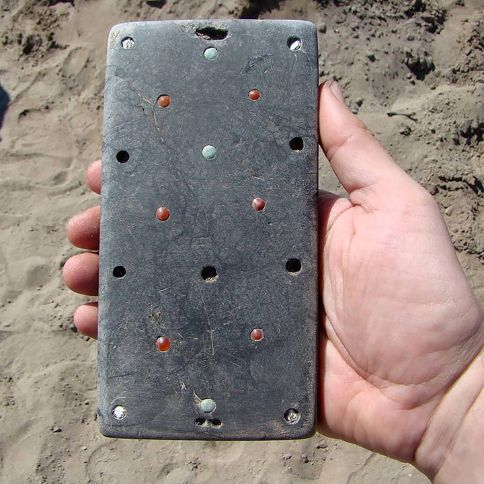 archeologists find ancient iphone